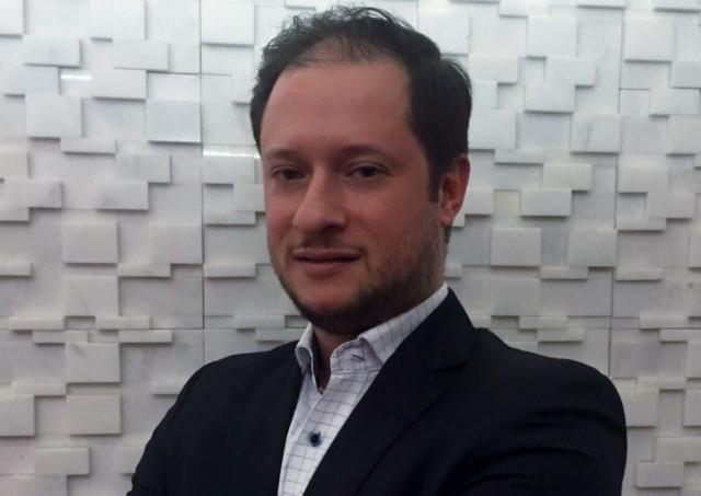 Aker N-Stalker contrata líder para canais
